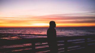 秋の夕暮れにオレンジの夕日を見てセンチになっちゃった時の曲6選