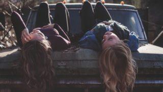 高校や中学時代の恥ずかしい青春の思い出が蘇る曲(洋楽)5選